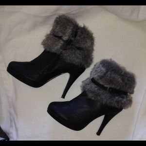 Shoes - Fur topped boots